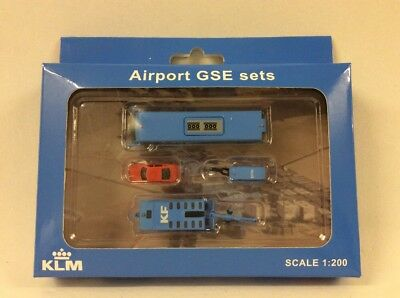 1:200 JC Wings Airport GSE Set