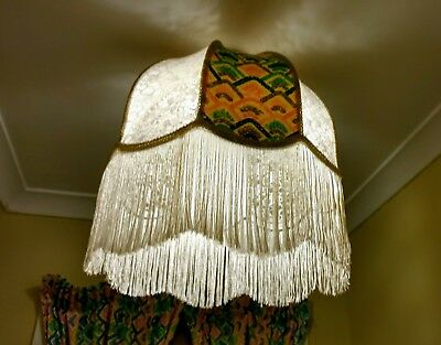 Light Shade with matching Curtins.