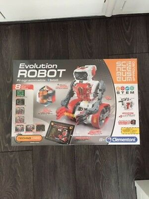 Clementoni EVOLUTION ROBOT Programmable 8 Play Modes SCIENCE MUSEUM Approved NEW