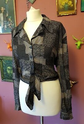 Vintage womens 90s black & white flower pattern tie front shirt
