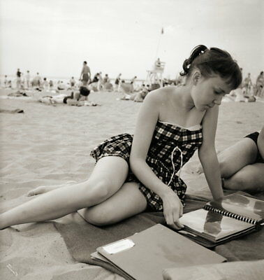 Vintage PRETTY GIRL Negative 1950s BEACH POSE