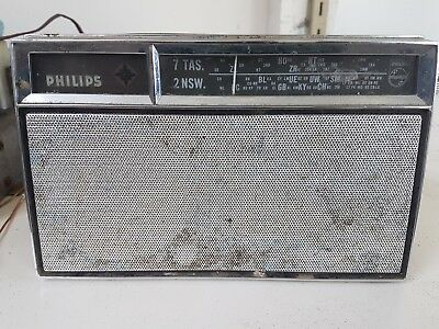 phillips model PP2 antique vintage potable transistor radio
