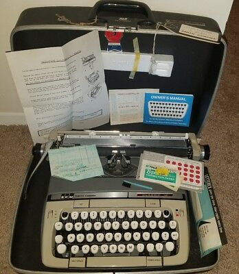 Vintage Smith-Corona Classic 12 Manual Typewriter Excellent Working PRISTINE