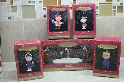 "1995 Hallmark Peanuts ""a Charlie Brown Christmas"" 5 Piece Set Snoopy Linus Lucy"