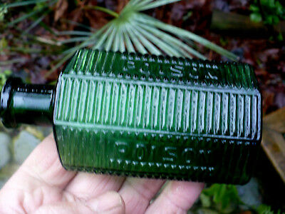Green diamond shaped ribbed POISON - POISON  C. L. G. CO.  4 .-  5 inch