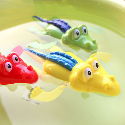 2X Wind Up Clockwork Cute Crocodile Kid Baby Swimming Favor Bath Time Play Toy X