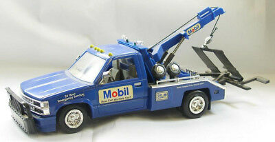 New Never Used 1995 Limited Offer Collectors Edition Mobil Tow Truck Mib