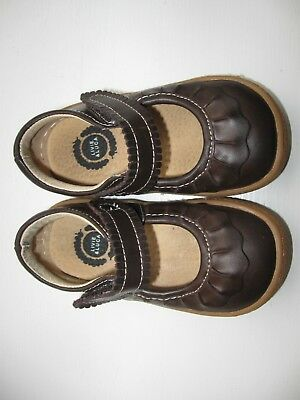 Girls Livie and Luca Brown Ruche Shoes Size 5 EUC