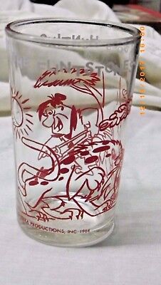 Vintage jelly glass FLINTSTONES Fred Goes Hunting RED 1964. great shape no fadin