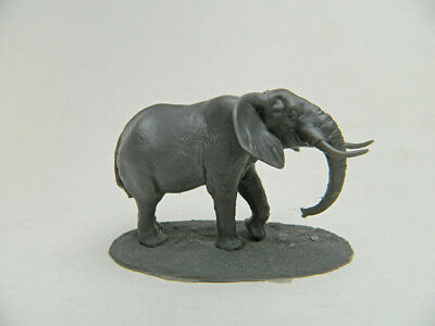 African Bush Elephant resin model 1/72 scale and very detailed.