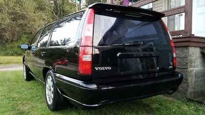 1998 Volvo V70  98 volvo v70 awd automatic (needs work)