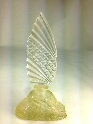 Elegnat Art Deco Etched Cut Glass Perfume Bottle With Stopper