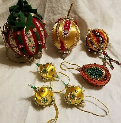 7 PC VINTAGE EXQUISITE CHRISTMAS ORNAMENTS BEADED SEQUINS PEARL HANDMADE 1960's