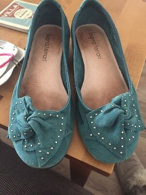 Diana Ferrari 'Tickle' Blue Suede Ballet Shoe With Bow Detail To Front Size 7.5