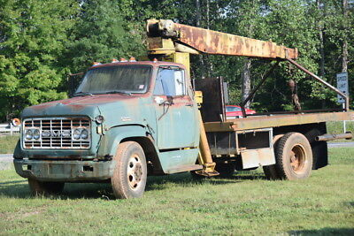 1969 GMC 5500 truck with working 5 ton crane