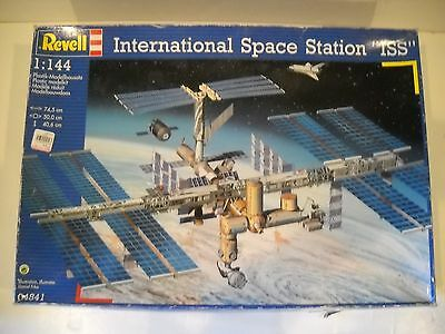 Revell International Space Station ISS Model Kit 2000 #04841 1:144 Sealed parts