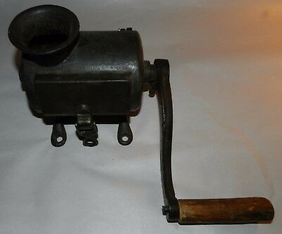 Vintage Cast Iron Tobacco Shredder / Grinder - Hand Cranked - Tobacciana
