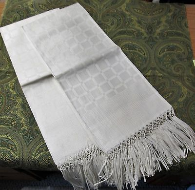 Fabulous Pair Linen Damask Bath Towels Hand Tied Fringe Never Used Lot #1