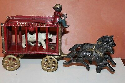 NICE VINTAGE CAST IRON HUBLEY ROYAL CIRCUS WAGON with DRIVER and BEAR