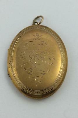 Vintage Antique Large Floral Engraved Gold Tone Oval Picture Locket With Inserts