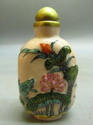 Chinese Porcelain Carved Lotus Flower Frog Pattern Snuff Bottle