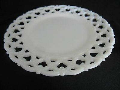 Vintage 8 1/2 Milk glass Serving Plate, excellent condition. VERY NICE
