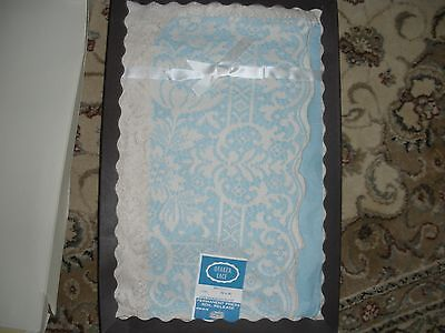 vintage Quaker Lace tablecloth Ivory 70X90 new old stock permanent press Dacron