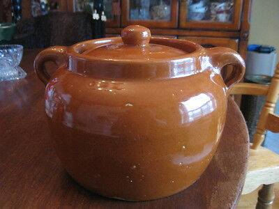 """Vintage two handle brown stoneware pottery bean crock pot with lid.6""""in tall"""