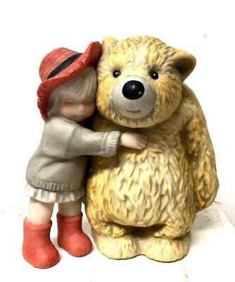 Kim Anderson Pretty As Picture Girl Bear GIVE MORE HUGS, GIVE MORE LOVE Figurine