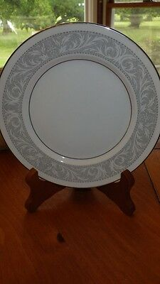 Imperial China Bread and Butter Plates Whitney by W M Dalton ca 1970 7 6 plates