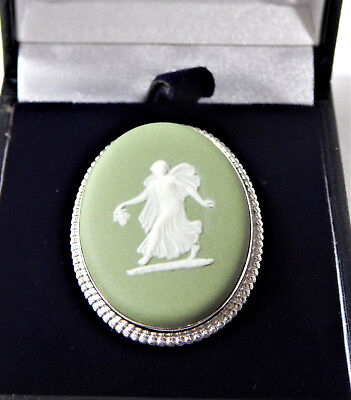 Wedgwood Brooch Silver 1966 Jasper Green White Oval Cameo Boxed Vintage British