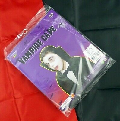 """Childrens 90cm """"VAMPIRE CAPE"""" Available In 2 Colours Ideal For Halloween Parties"""