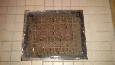 VINTAGE CAST IRON FLOOR REGISTER HEAT GRATE VENT Works Great All louvers intact