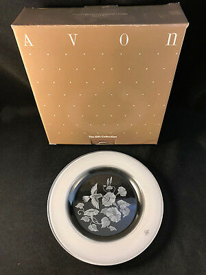 "NIB NOS SET OF 2 AVON 8"" HUMMINGBIRD CRYSTAL DESSERT PLATES -- NEW! - Qty"