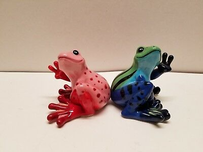 Sitting Frogs Peace Frogs by Westland  Ceramic Salt Pepper Shakers S&P