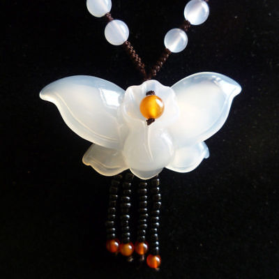 Chinese natural ice white chalcedony butterfly fashion lucky pendant