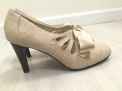 03aea5535805 Ann Marino Women s Shoe Pumps Heels Ribbon Tan Nude Fabric Cut Out Size 10M  NWOB