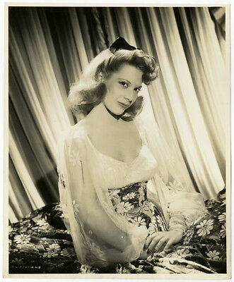 Classic Hollywood Songbird Dinah Shore Vintage '44 Up in Arms Glamour Photograph