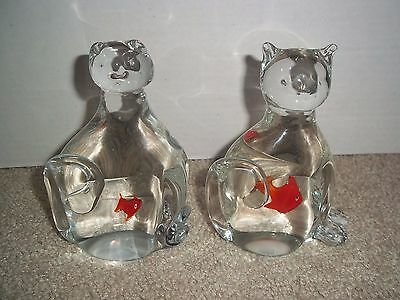 """Glass Cat (2) Paperweights with Fish Inside Kitty Lover 5.5"""" & 5.25"""" Tabby Figur"""