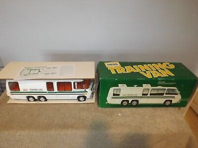 1980 HESS Training Van White in Box w/ Instructions & Inserts
