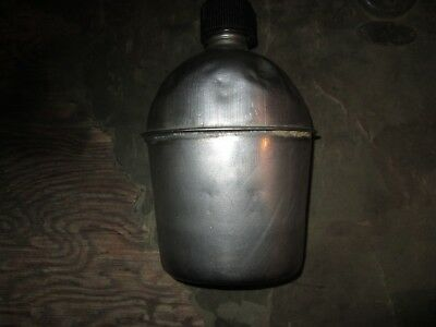 WWII WW2 US Army USMC Canteen good cond. reenacting