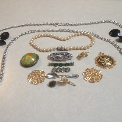 Mixed Lot of Vintage Costume Jewelry, Broaches, Necklace, Pins, Misc