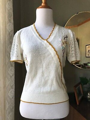 40s Sweater Embroidered Flowers Pearls 1940s Vintage Puffed Sleeves Fitted Top