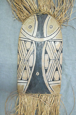 Vintage Island Oceanic Art Painted & Carved Wood Shield Mask Raffia Grass #2 yqz