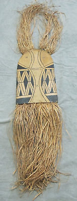 Vintage Island Oceanic Art Painted & Carved Wood Shield Mask Raffia Grass #1 yqz