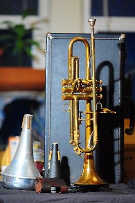 York Custom Model Trumpet + 6 mouthpieces + Case + Extras