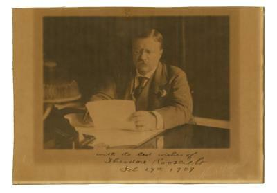 Theodore Roosevelt as President superb signed Harris and Ewing photo Lot 169