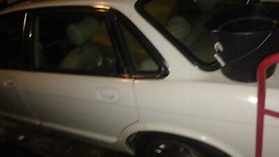 1995 Jaguar XJ6  white nice leather interior runs good needs work repairable loaded parts NR