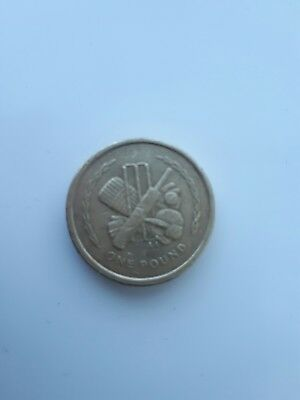 1998 IOM cricket  Old Style £1 Coin Isle of Man