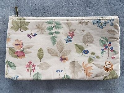 LONGABERGER Cosmetic / Zippered Bag Pouch in Botanical Fields Floral print